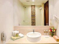 精緻客房 – 浴室